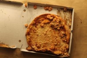 Foodora vs. Deliveroo - Wer von beiden hat uns wohl diese Pizza gebracht?
