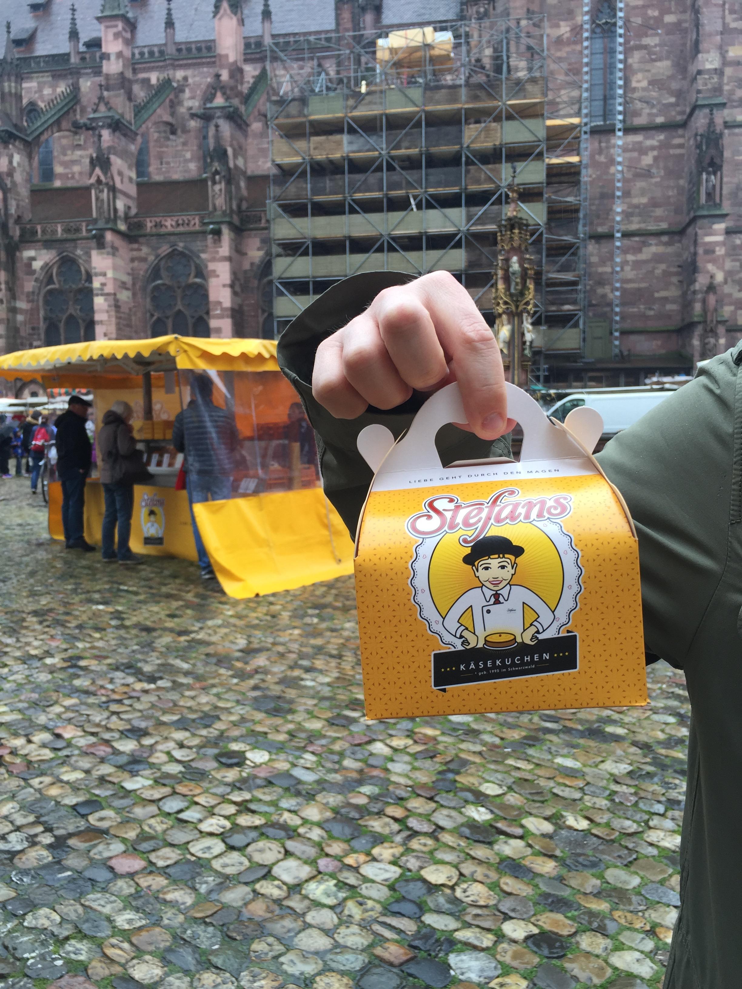 Essen gehen in Freiburg: Auch Stefans Käsekuchen solltet ihr probieren!